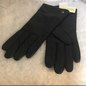 Etienne Aigner Black Leather Gloves NWT